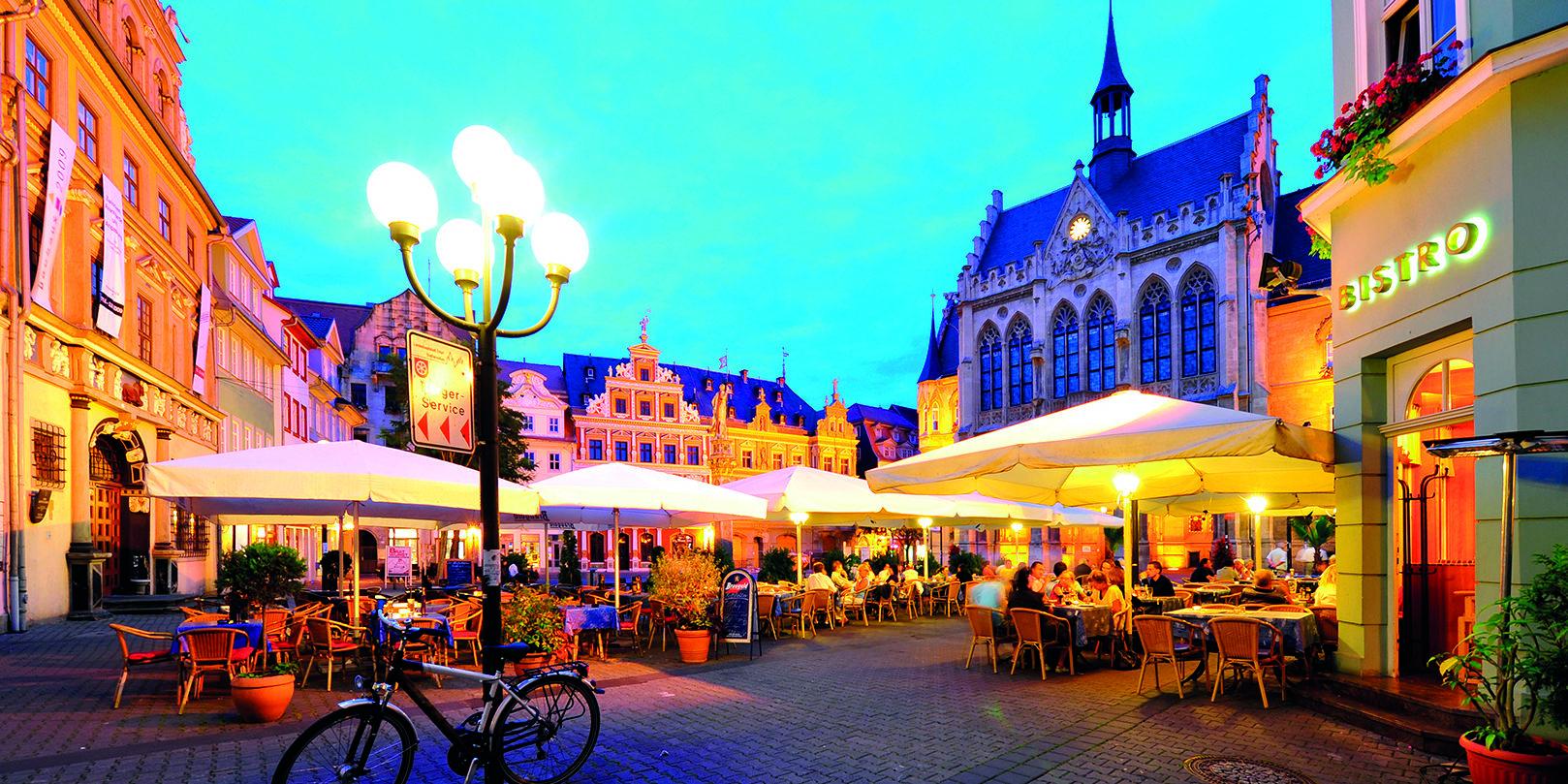 Erfurter Fischmarkt nach Sonnenuntergang